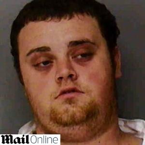 O norte-americano Jacob David Hartley, acusado de matar o filho de apenas três semanas de idade