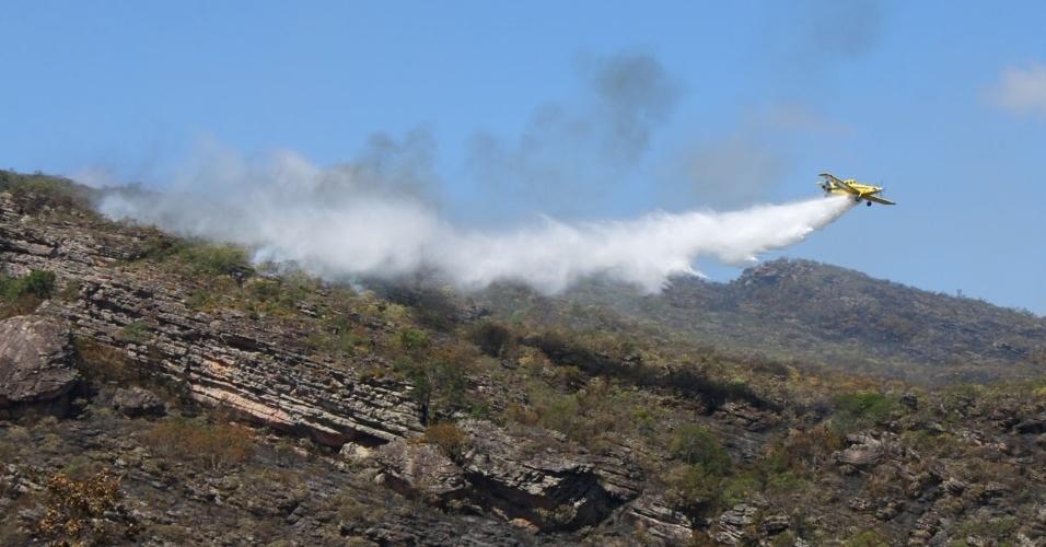 O Parque Nacional Chapada Diamantina, na Bahia, voltou a registrar focos de incêndio. Bombeiros e dois aviões-tanque do Instituto Chico Mendes atuam para conter o fogo