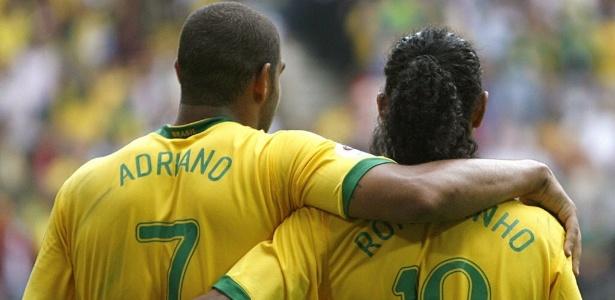 Adriano e Ronaldinho na Copa-2006: amizade pode ajudar em permanência no clube