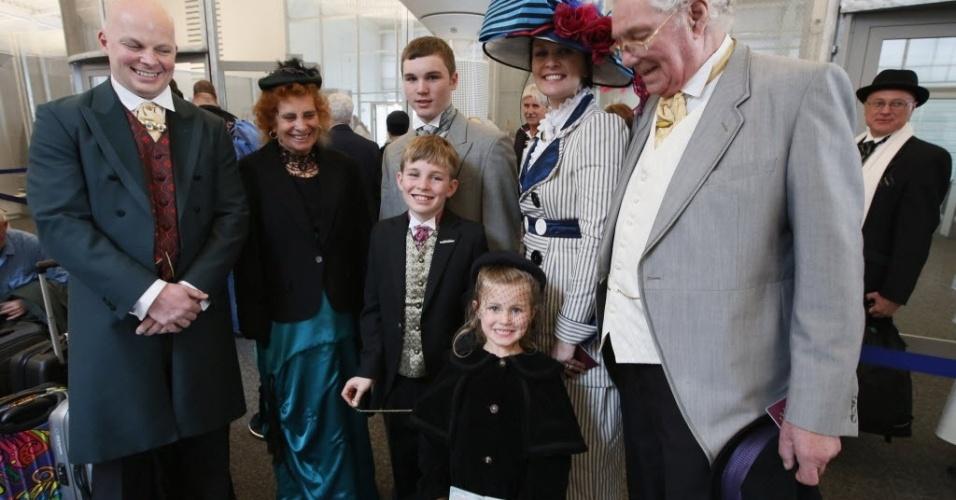 Três gerações de uma família londrina participam de viagem que refaz o trajeto do Titanic há 100 anos