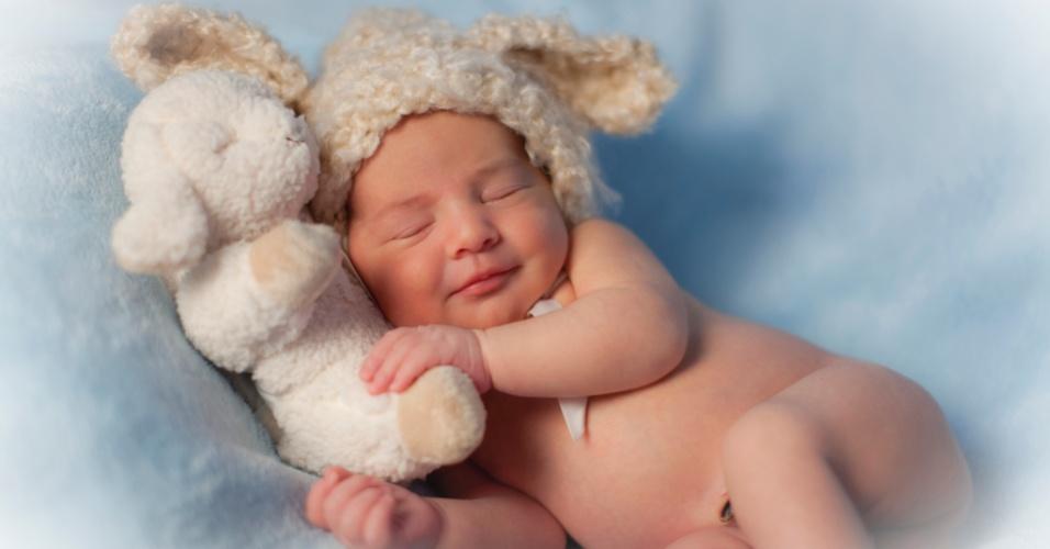 Foto de recém-nascido, feita pela fotógrafa Simone Silvério