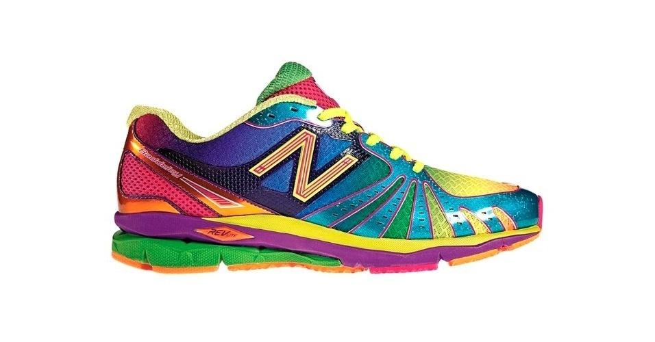 Tênis esportivo colorido; R$ 399, na New Balance (www.newbalance.com.br)