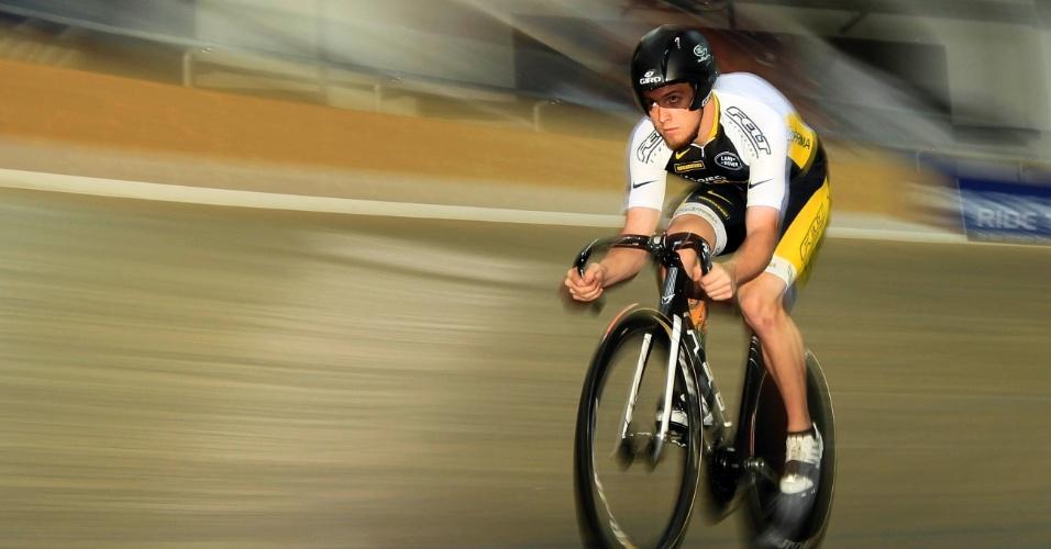 Ciclista treina para os Jogos Olímpicos Londres 2012, em Carson