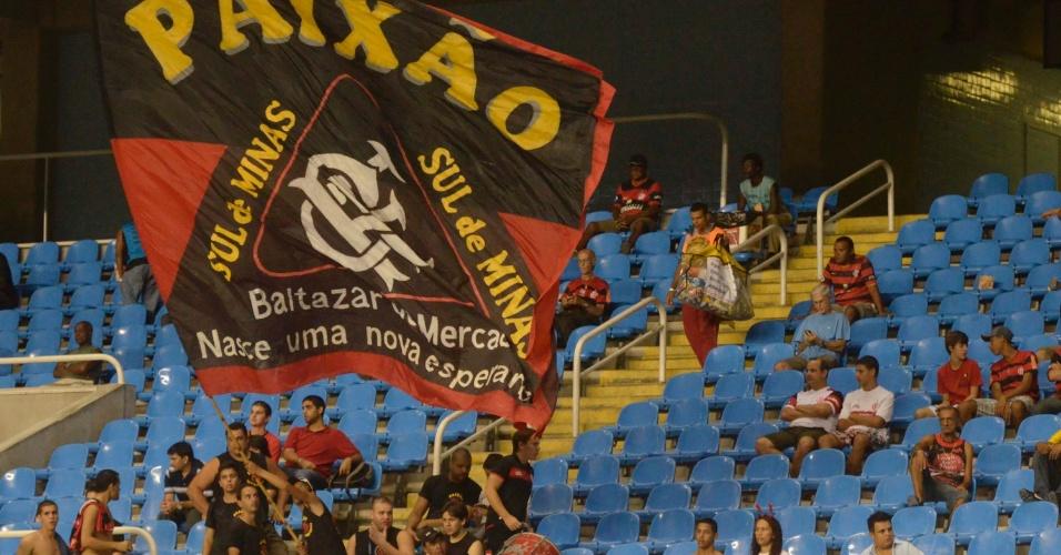 Torcida do Flamengo chega ao Engenhão para a partida contra o Lanús (12/04/12)
