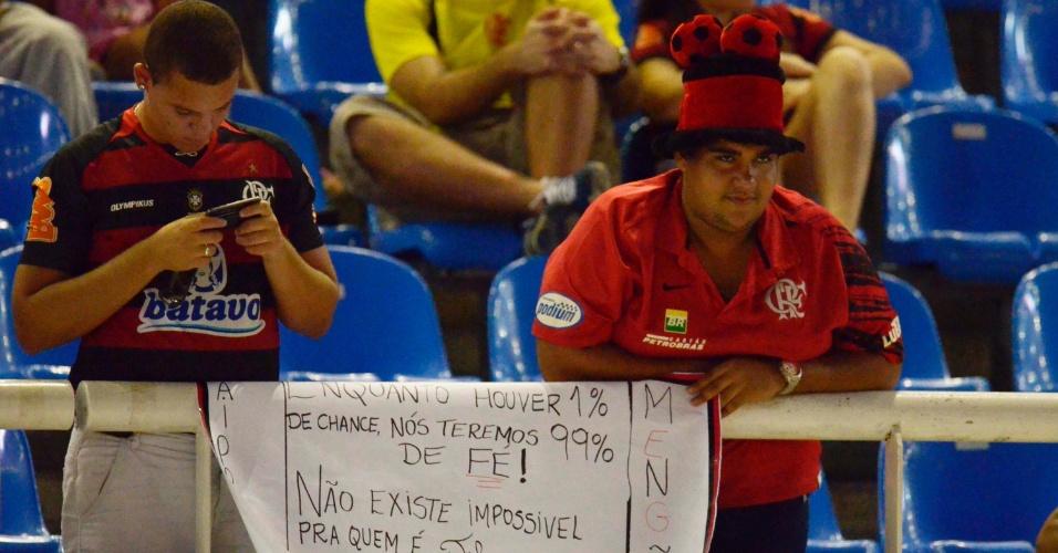 Torcida do Flamengo demonstra confiança antes do jogo contra o Lanús (12/04/12)