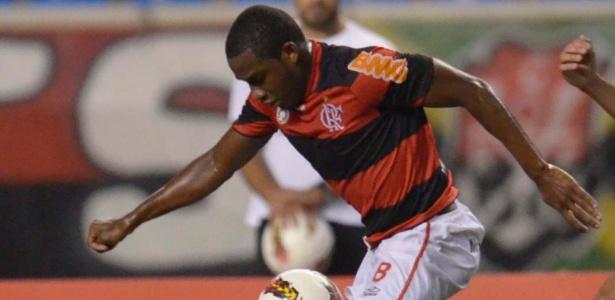 Willians fará exames médicos e na quarta-feira será apresentado em Gramado