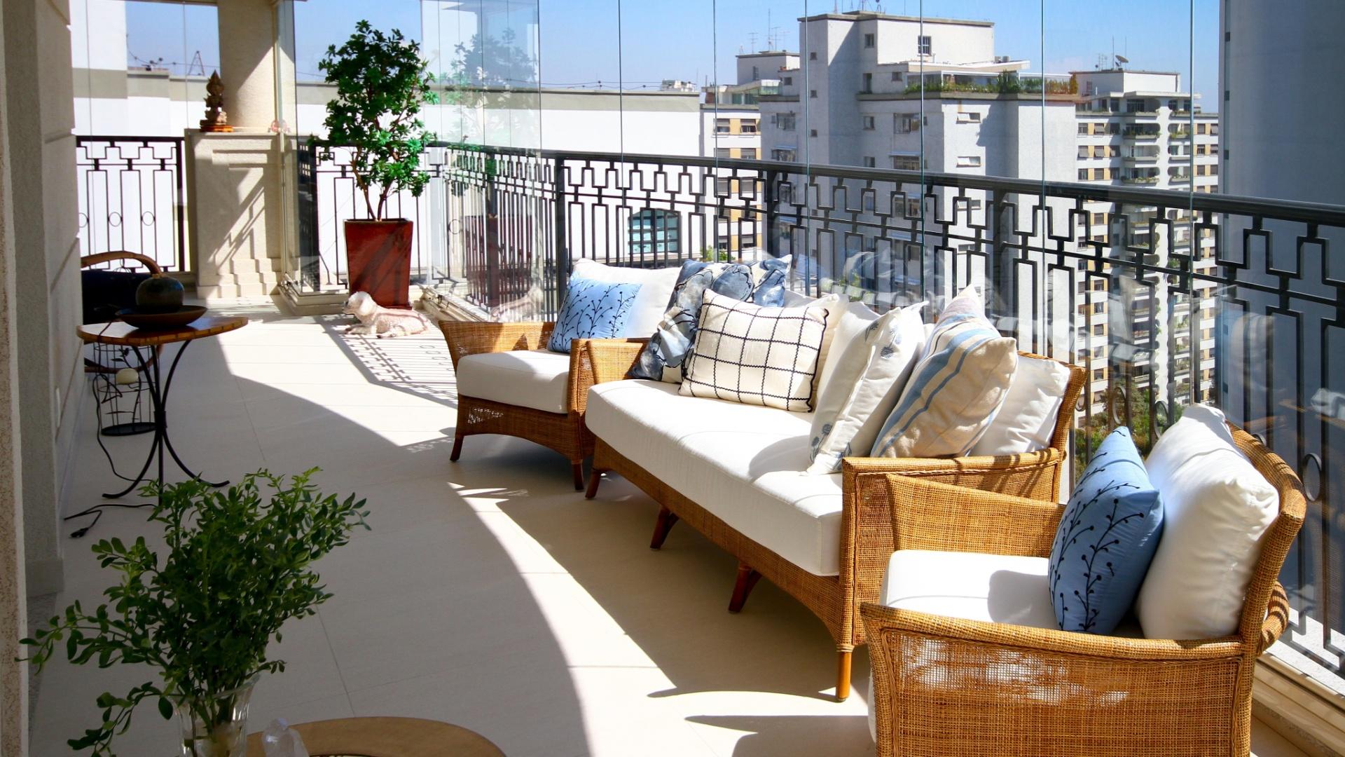 Além de bela vista para a cidade churrasqueira e TV a varanda é  #2366A8 1920x1080