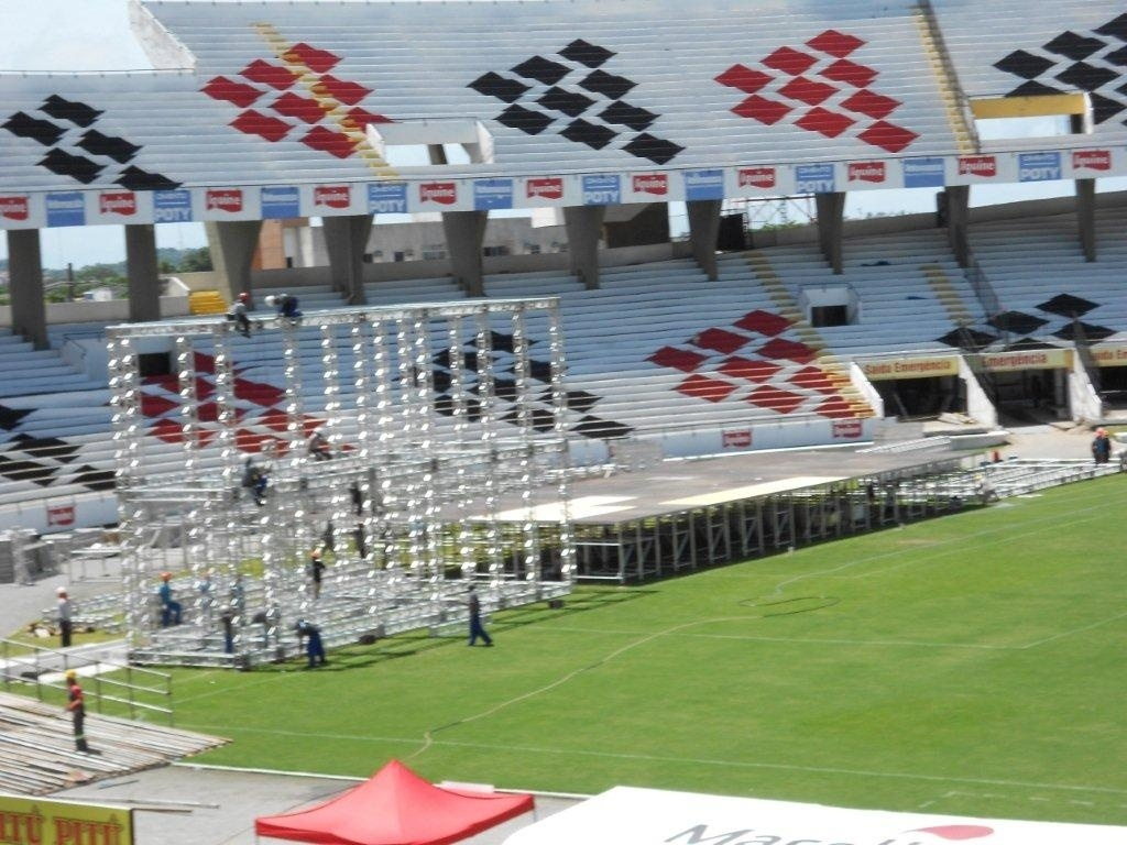 Palco do show do ex-Beatle Paul McCartney em Recife (13/4/12)