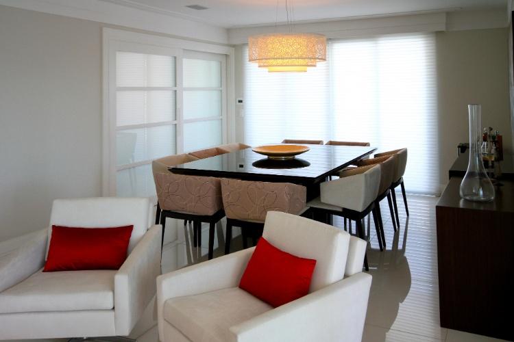 Sala De Jantar Varanda ~ de correr ligam o espaço do living à varanda e à sala de jantar