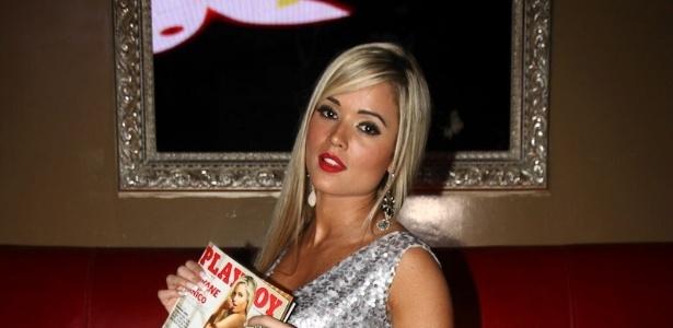 A modelo e ex-Panicat Aryane Steinkopf lança
