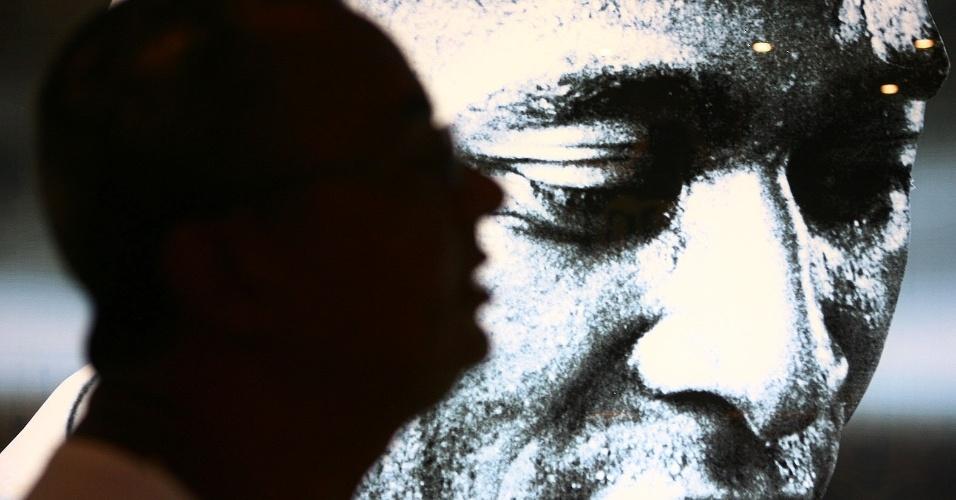 Espaço no museu do Santos homenageia Pelé (14/04/2012)