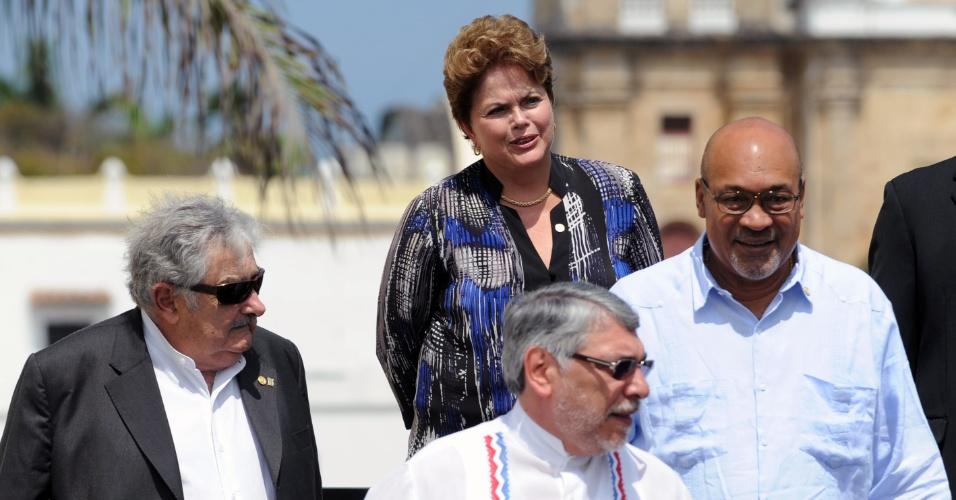 Da esquerda para a direita: o president uruguaio, José Mujica; a brasileira Dilma Rousseff; o líder do Paraguai, Fernando Lugo; e o presidente do Suriname, Desire Bouterse. Eles participam da 6ª Cúpula das Américas em Cartagena das Índias, na Colômbia