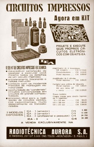 Anúncio de kit de circuitos impressos na revista Rádio e Televisão. Os próprios estudantes dos cursos de rádio e TV adquiriam esses kits, vendidos por empresas da mesma região da escola que oferecia ensino por correspondência
