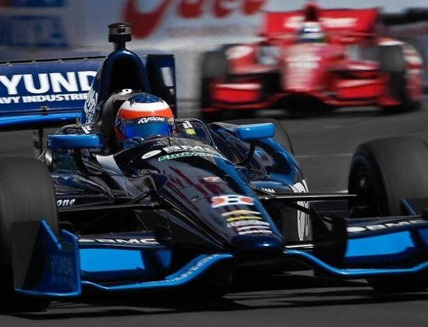Barrichello chegou a ser terceiro colocado em Long Beach, mas chegou em nono
