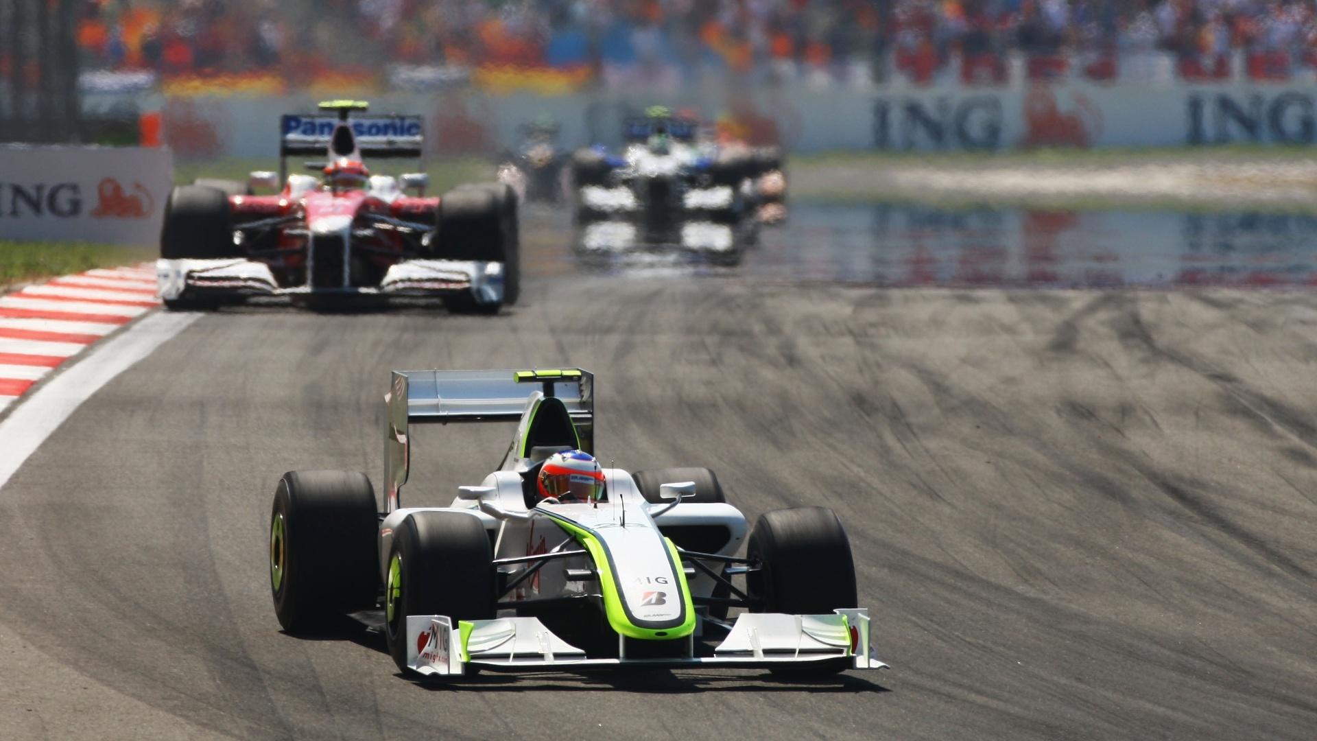 Em 2009, Barrichello guiava pela Brawn, que tinha o melhor carro da temporada. Mas, no GP da Turquia, ao tentar ultrpassar Jenson Button, sua embreagem quebrou e o brasileiro teve de abandonar, deixando o companheiro de equipe abrir 27 pontos
