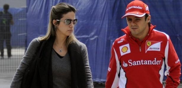 Felipe Massa passeia com a mulher Raffaella no circuito de Xangai