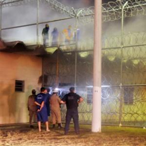 Mais de 400 presos mantiveram cerca de 120 reféns em presídio de Aracaju