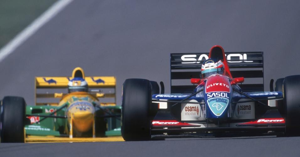 Na Jordan, Rubens Barrichello (à direita) vinha em terceiro no Grande Prêmio da Europa de 1993 quando sofreu problemas mecânicos faltando seis voltas para o fim. Seria seu primeiro pódio na F-1