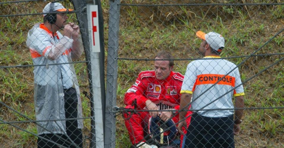 Rubens Barrichello ficou bastante abatido após abandonar o GP do Brasil de 2003 por conta de uma pane seca