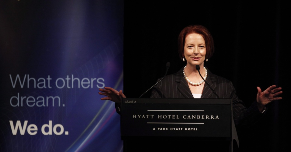 A premi&#234; da Austr&#225;lia, Julia Gillard, anuncia em Canberra que a maior parte das tropas do pa&#237;s sair&#227;o do Afeganist&#227;o e que a retirada ser&#225; total no final de 2013, um ano antes do prazo acordado com as for&#231;as de seguran&#231;a da Otan