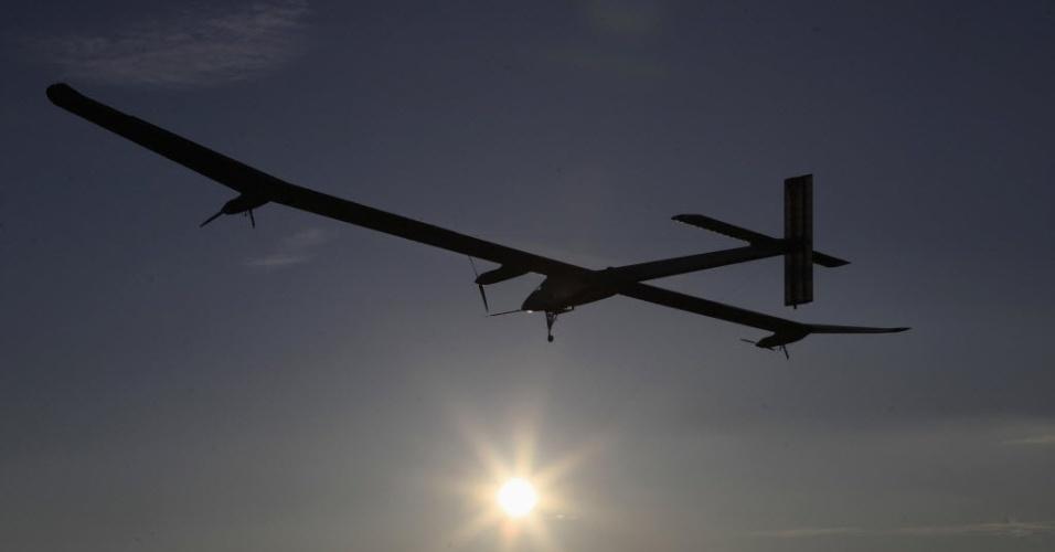 Avião que funciona com energia solar é testado nesta terça-feira (17) no aeroporto de Payerne, na Suíça. Dentro de dois anos os criadores do  projeto pretendem  realizar uma viagem  pelo mundo com modelo semelhante
