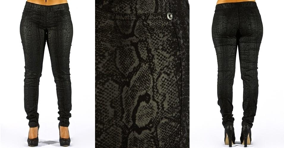 Calça black skinny estampa de cobra ; R$69,90 na Marisa (Tel.: 3383.7222)