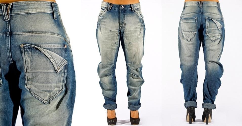 Calça jeans blue carrot com bolso duplo trabalhado nas costas; R$79,90 na Marisa (Tel.: 3383.7222)
