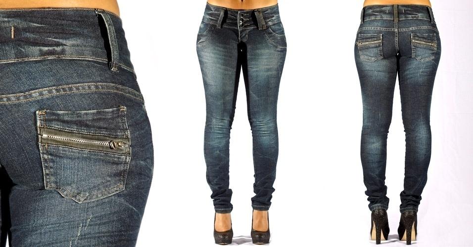 Calça jeans blue skinny com lavagem amarrada e detalhe de zíper no bolso costas; R$59,90 na Pernambucanas(Tel.: 0800 724 9200)