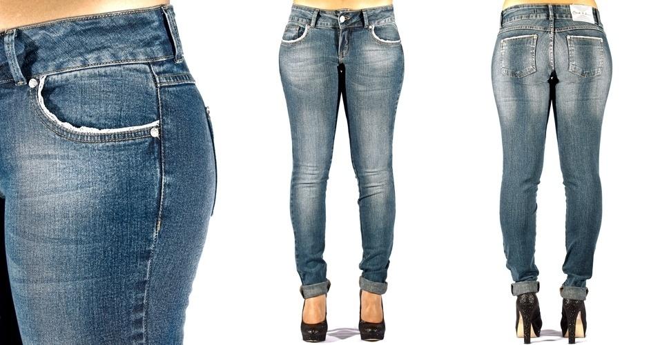 Calça jeans blue skinny com renda nos bolsos frente e costas; R$79,90 na C&A (Tel.: 11-2131 0004)