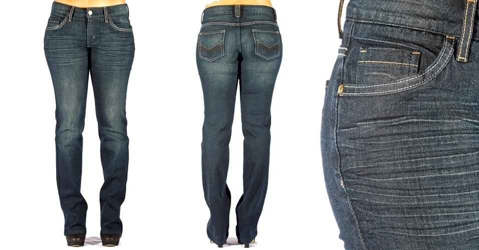 Calça jeans em modelo reto com bigode e lavagem preta-azulada; R$69,90 na C&A (Tel.: 11 2131 0004)