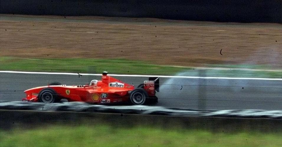 Em seu primeiro ano na Ferrari, Barrichello largou em quarto no GP do Brasil, mas frustrou a expectativa da torcida ao estourar o motor após sair dos boxes