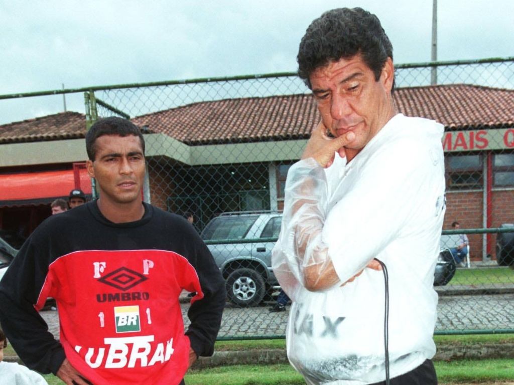 Joel Santana e Romrio juntos no Flamengo em 1998; ex-jogador indicou o tcnico para a seleo