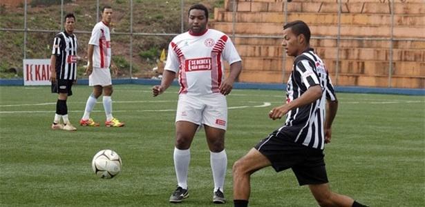 Lance de Sete de Setembro (branco) 0 x 0 Botafogo (preto e branco)