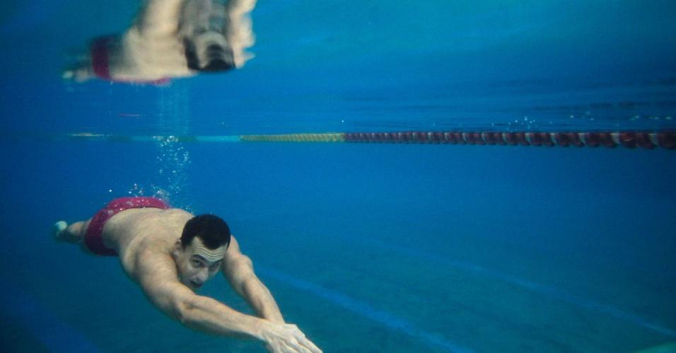 O nadador húngaro Laszlo Cseh treina para as Olimpíadas de Londres em piscina em Budapeste