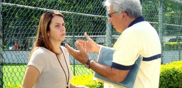 Patrícia Amorim conversa com o vice de relações externas do Fla, Walter Oaquim