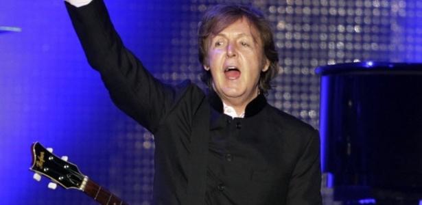 Paul McCartney se apresenta para 30 mil pessoas em Assunção, no Paraguai (18/4/2012)