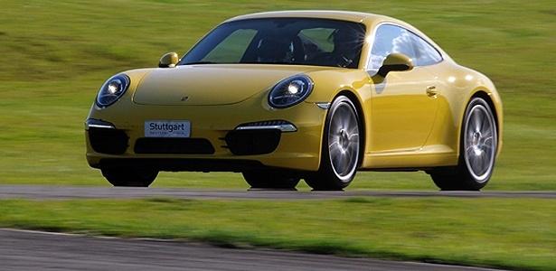 O novo Porsche 911 Carrera S em seu ambiente preferido: a pista de corrida