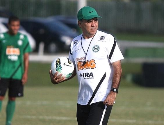Técnico Marcelo Oliveira, do Coritiba