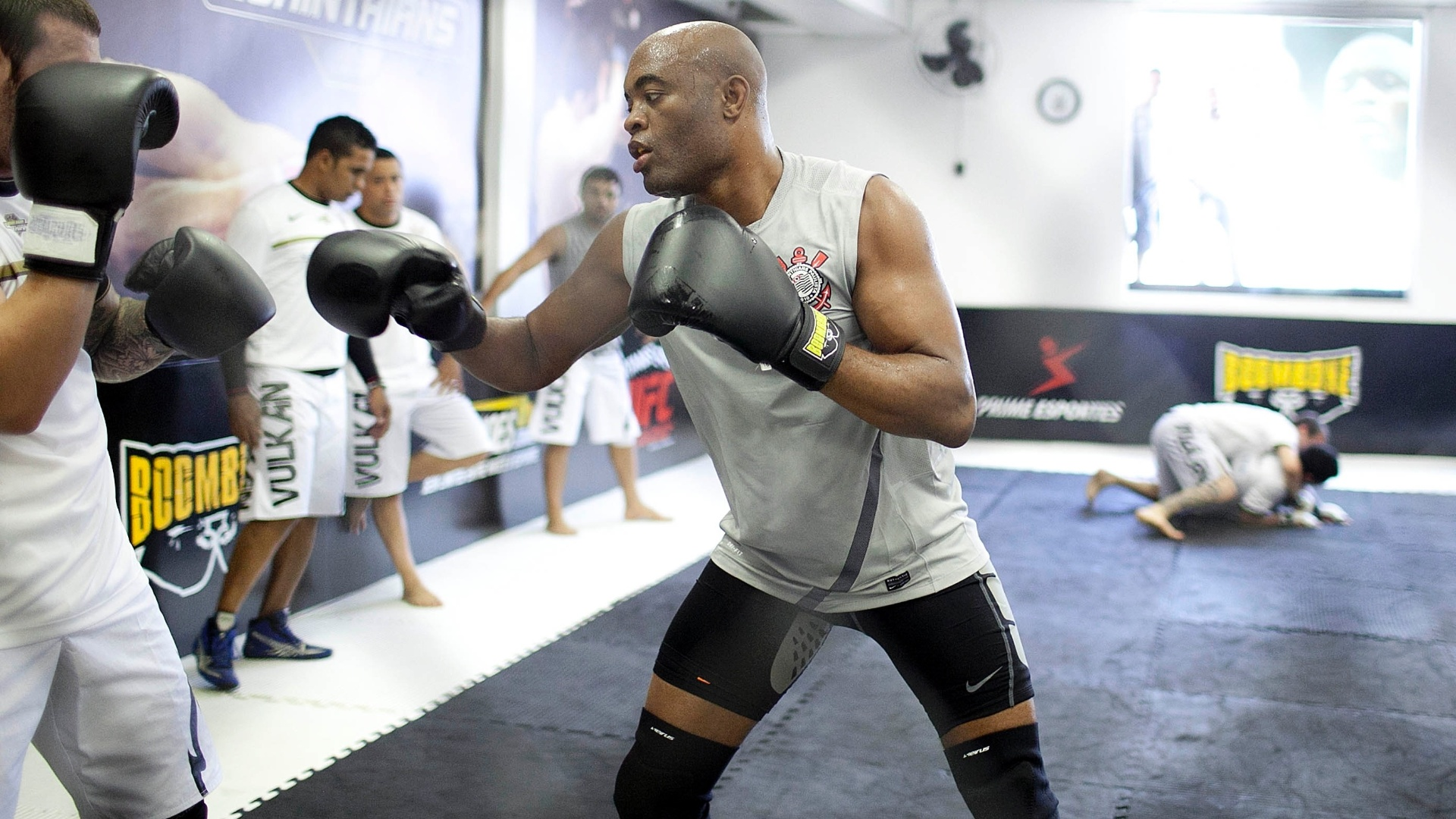 Anderson Silva durante primeiro treino aberto no Parque So Jorge