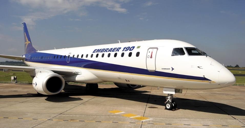 Avião comercial Embraer 190
