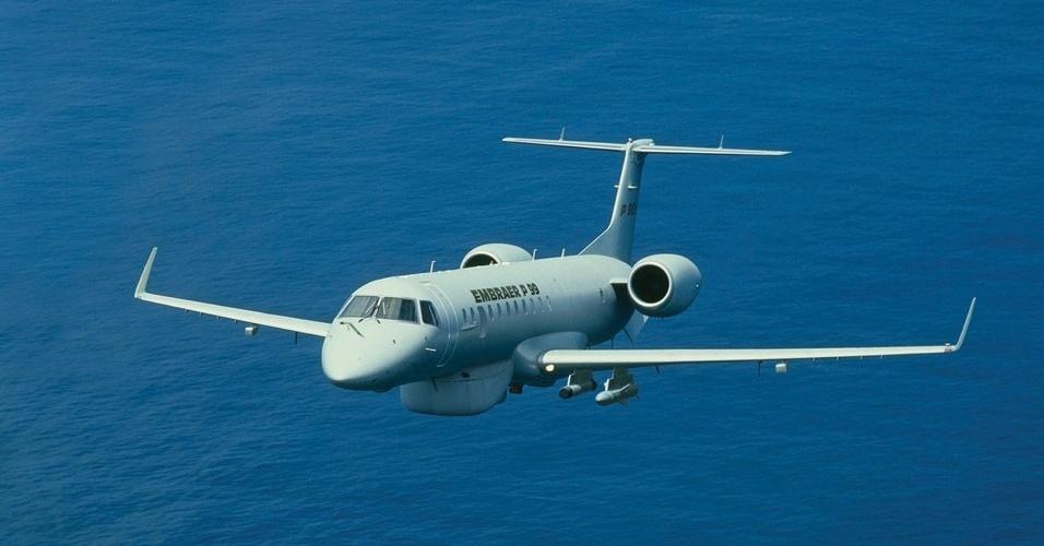 Avião militar P-99, produzido pela Embraer