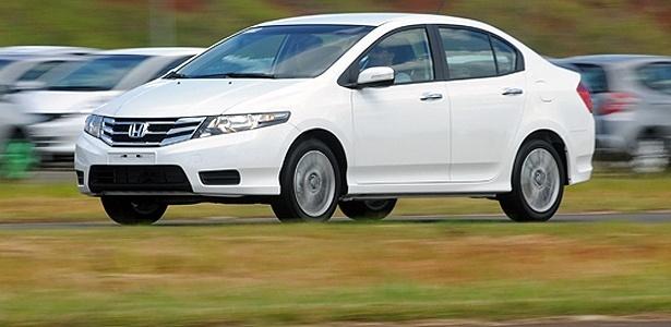 Honda City 2013: mudanças mínimas num carro de trajetória vencedora no Brasil