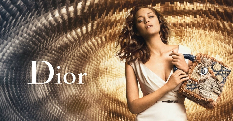 Marion Cotillard em nova campanha da bolsa Lady Dior
