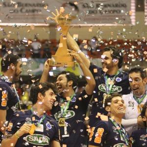 : Cruzeiro supera Ricardinho e Vôlei Futuro e é campeão da Superliga