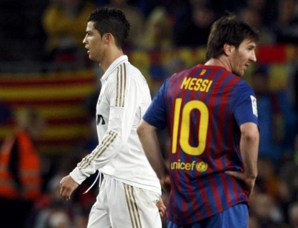 Os craques de Real Madrid e Barcelona, Cristiano Ronaldo e Messi ao término da partida