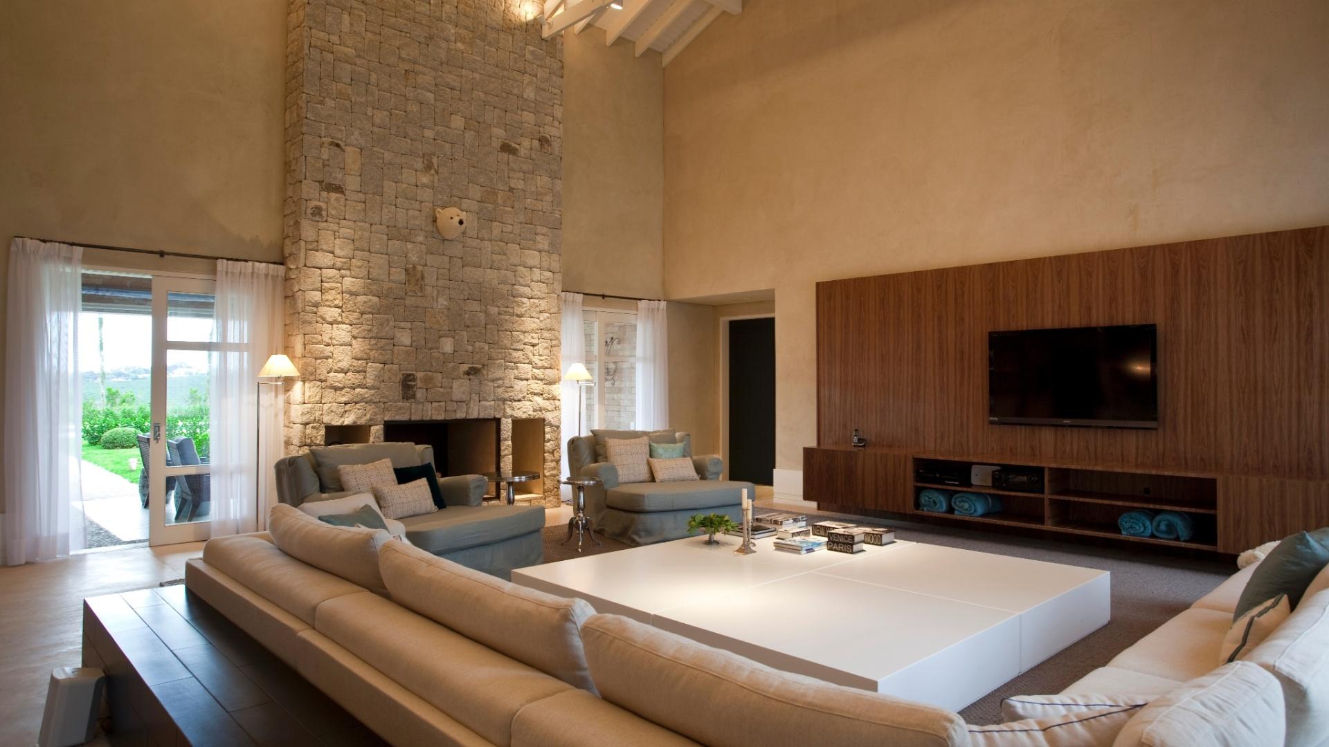 #654329 pelo arquiteto e tem face dupla para a sala de TV e para o estar  1920x1080 píxeis em Decoraçao De Salas De Estar Grandes