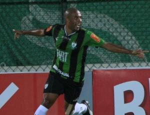 O zagueiro Gabriel Santos estava no América-MG e acertou contrato com o Sport até o final de 2013
