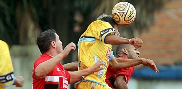 Gesan (vermelho) e Vup. Vet. (amarelo) ficaram no 1 a 1