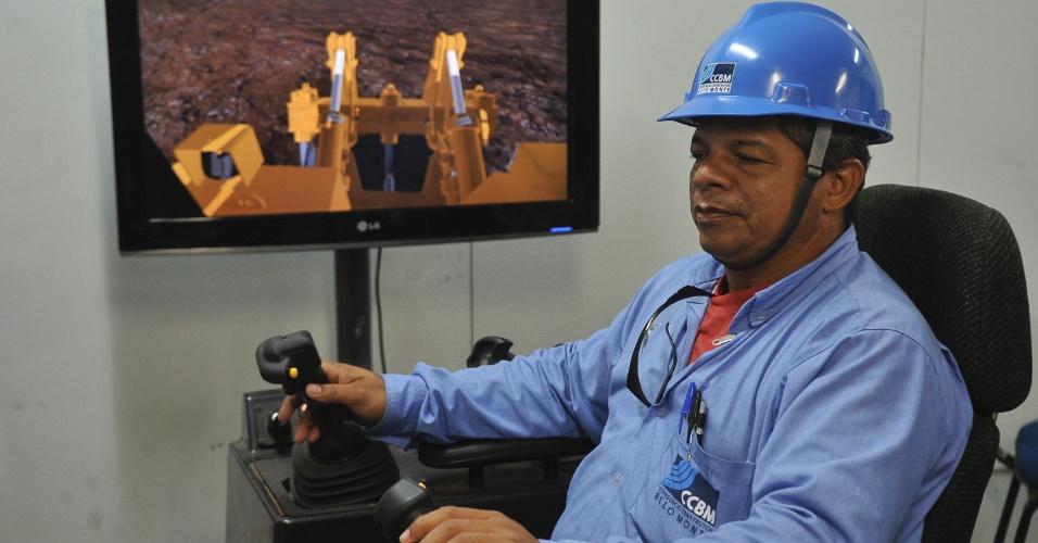 Instrutor de máquinas pesadas, João Damasceno Sousa transforma pessoas em profissionais com domínio de atividades e equipamentos em Belo Monte