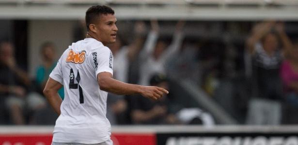 Autor de um dos gols na vitória sobre o Mogi, lateral quase deixou o Santos